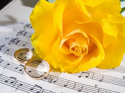 yellowrosesheetmusicrings